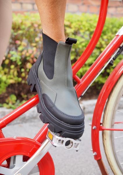 Bilde av Shoe Biz - Vulrica Rubber Boots - Army/Black