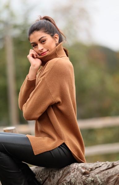 Bilde av Basic Apparel - Line Sweater - Roasted Pecan
