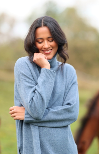 Bilde av Basic Apparel - Line Sweater - Blue Shadow