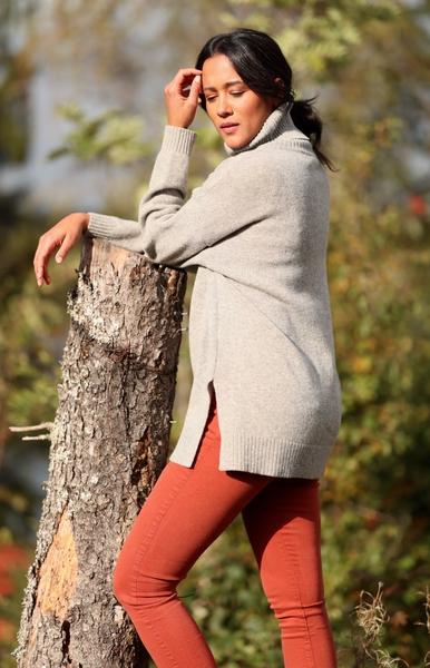 Bilde av Basic Apparel - Line Sweater - Grey Melange