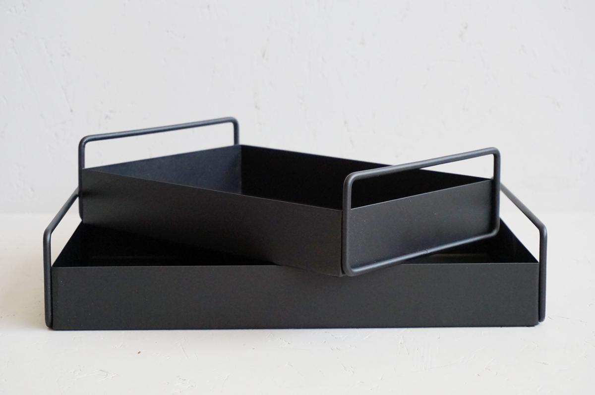 Metallfat, sort, sett av 2
